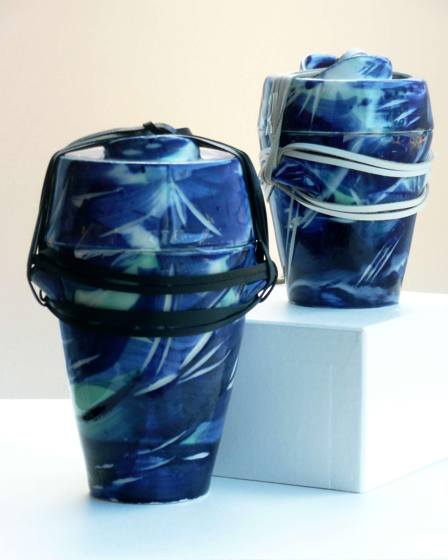 urn-Dark_pair-2