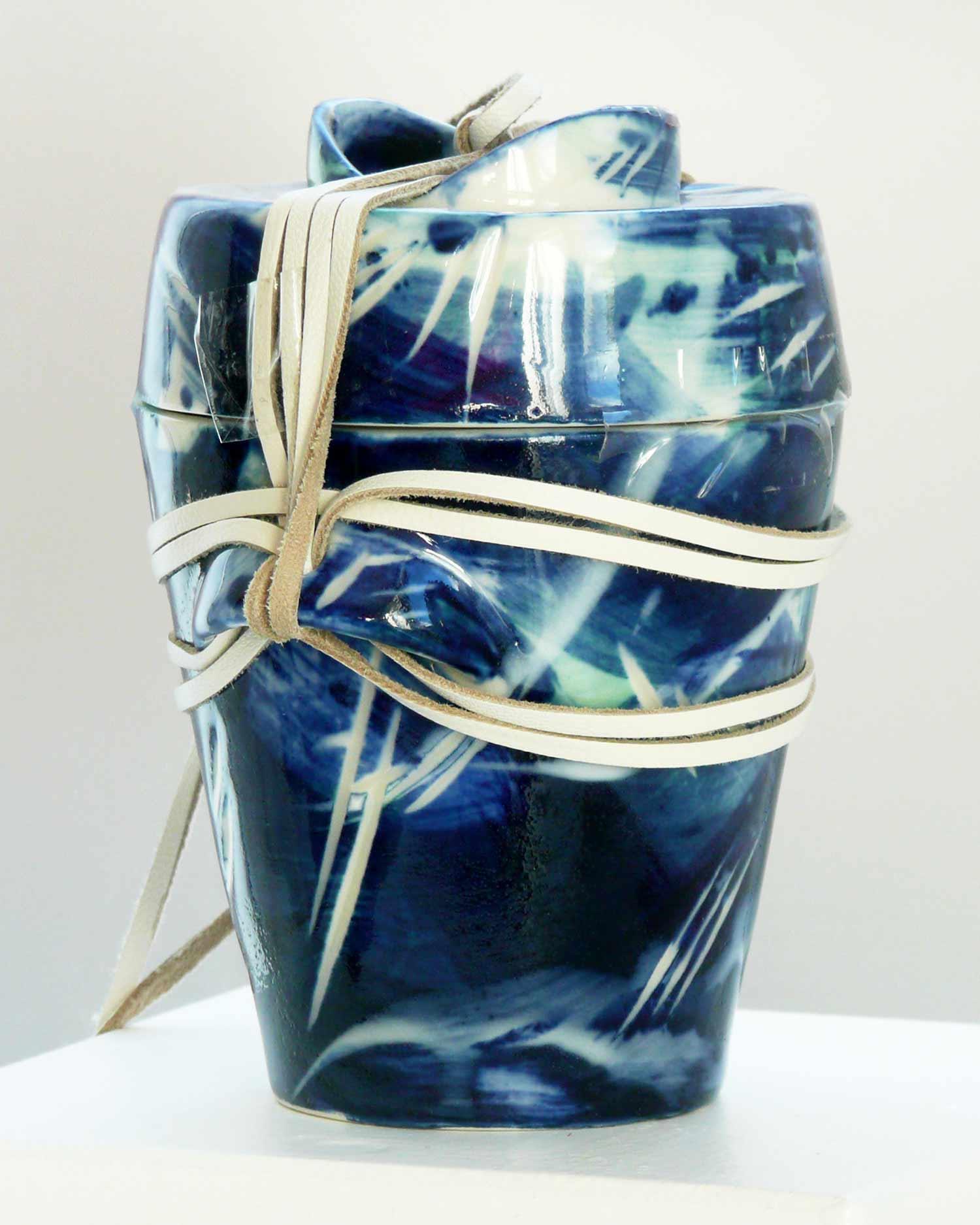 urn-Small-Dark_2